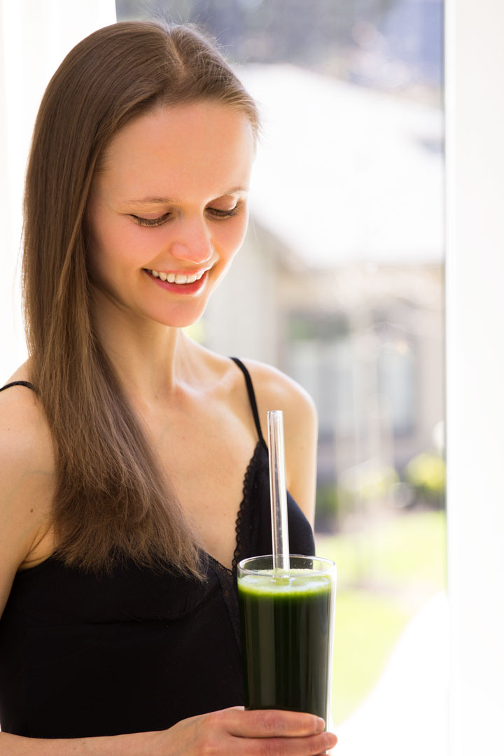 Petra Scott drinking a green smoothie