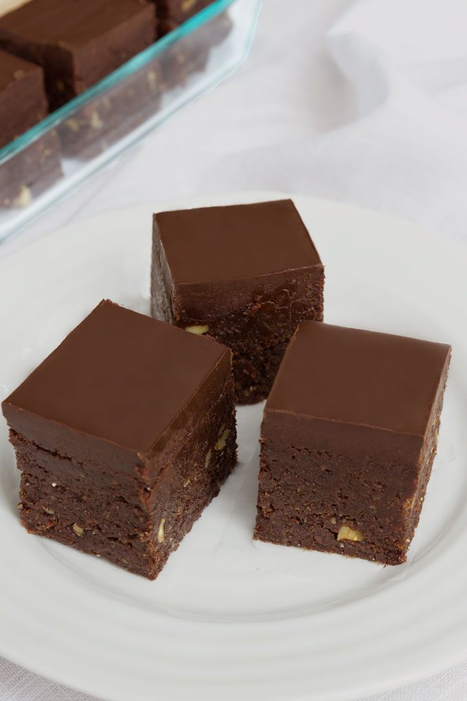 Raw Brownies with Chocolate {Video}