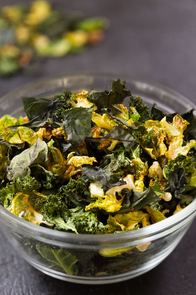 baked veggie chips from leafy greens
