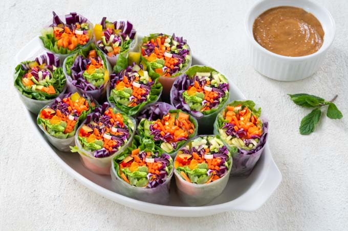 summer rolls with vegetables and peanut sauce