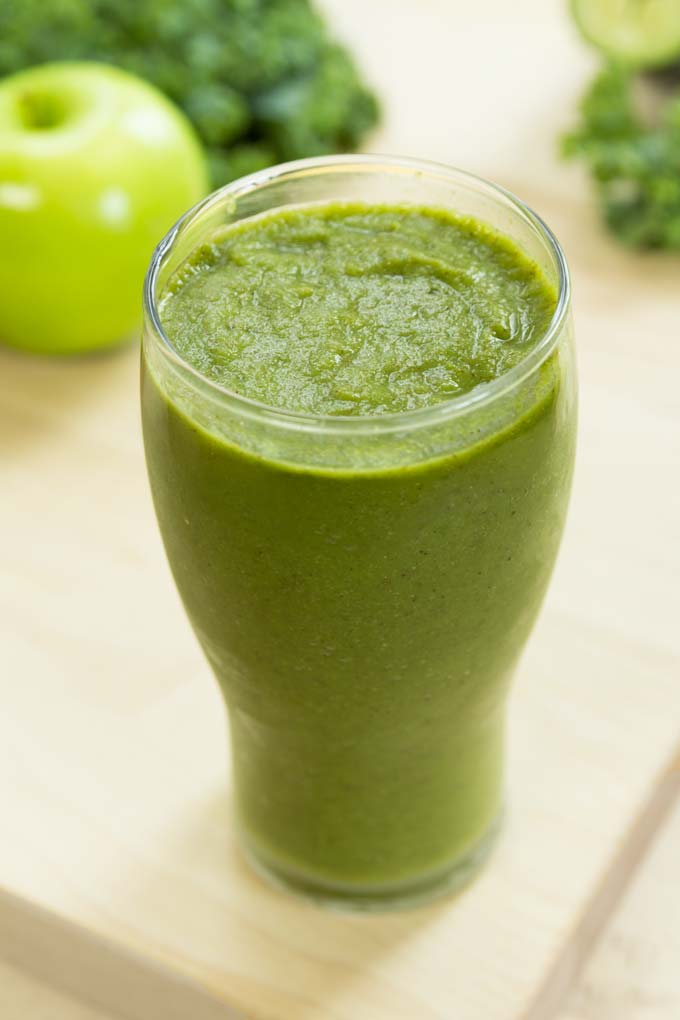 green detox smoothie - healthy, vegan
