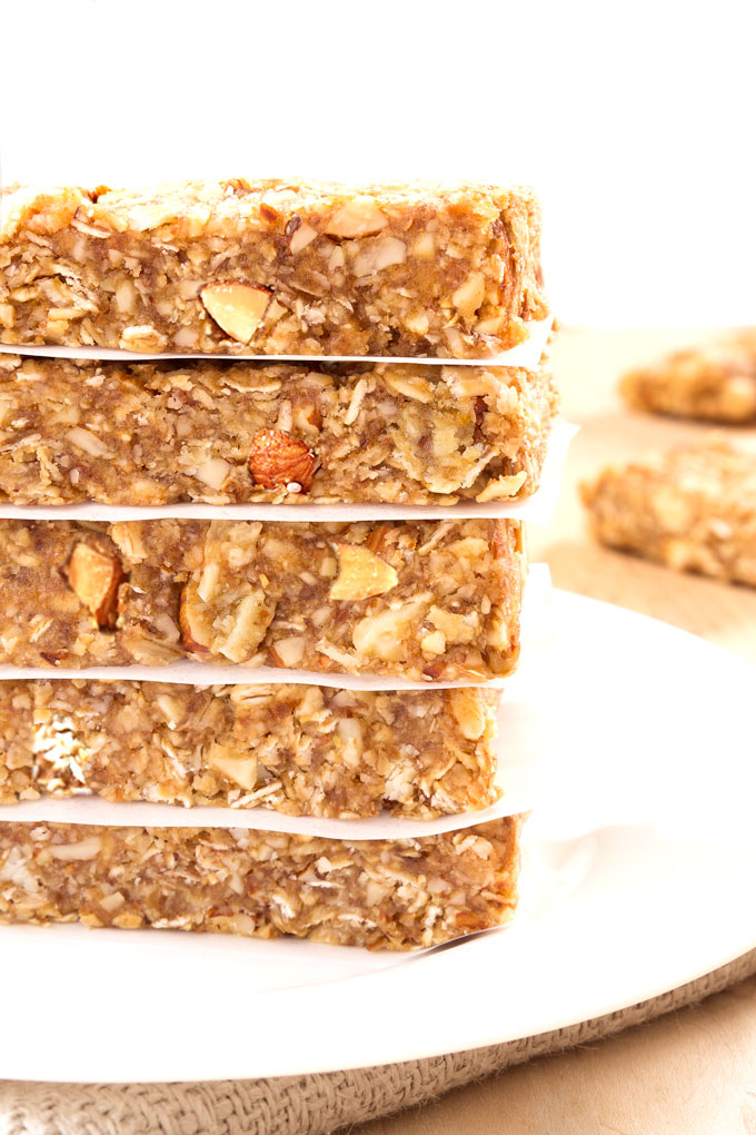 vegan granola bars with date caramel