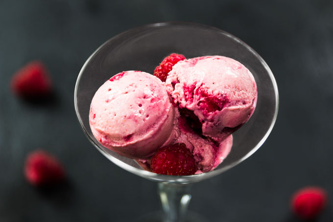 berry ice cream - vegan, paleo, raw