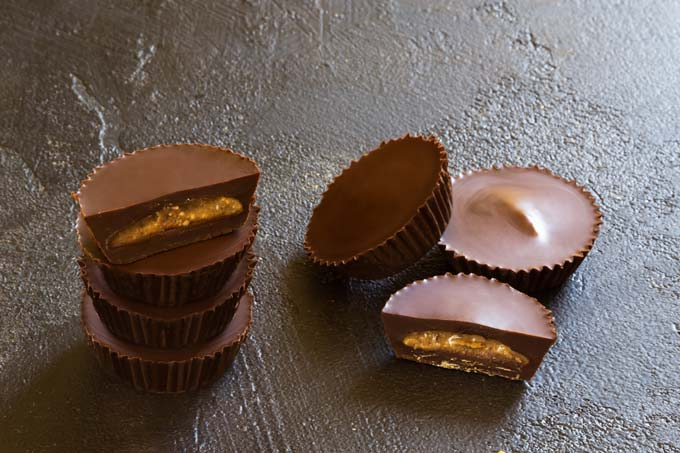 almond butter cups - raw, vegan, paleo