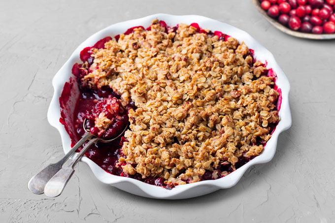 berry crisp recipe - grain-free, low-carb, paleo, keto