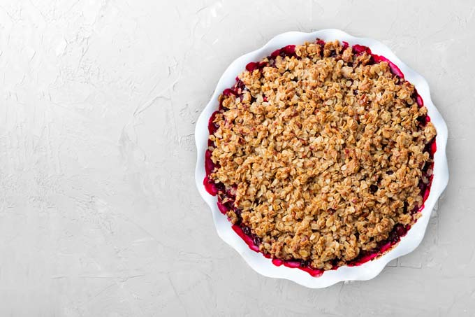 keto fruit crisp with berries