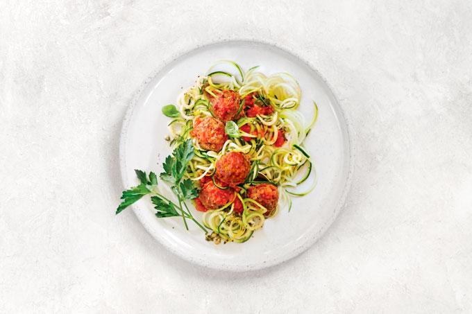 zucchini spaghetti with marinara
