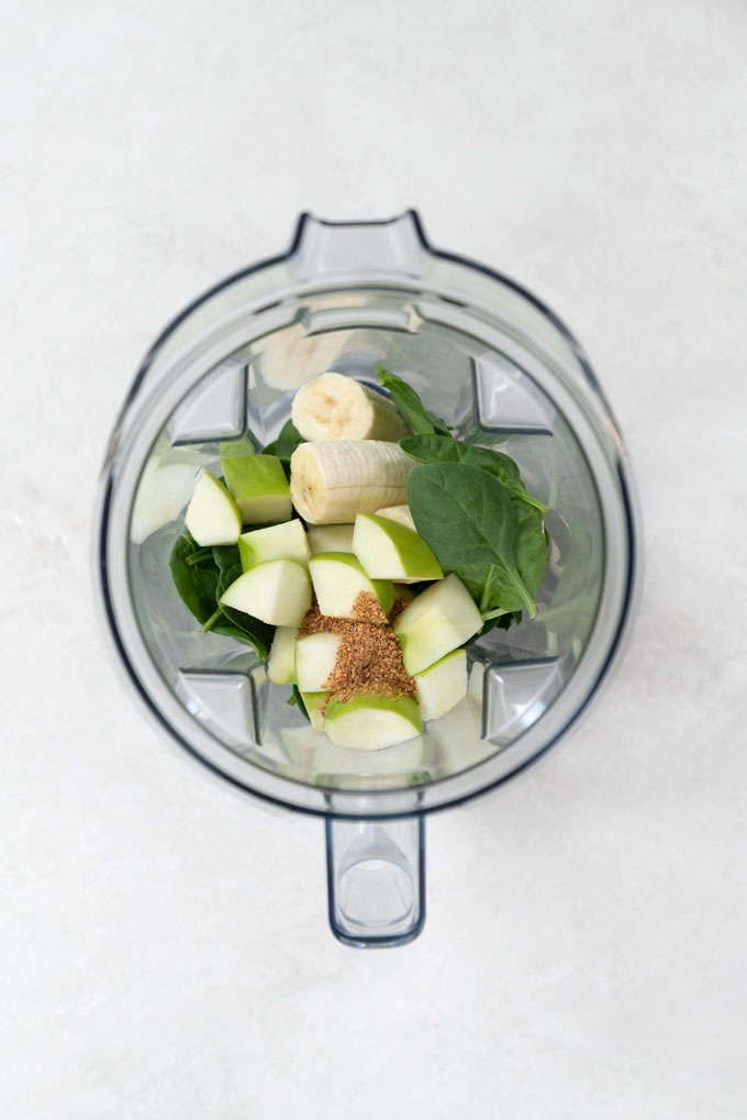 how to make apple spinach smoothie in a Vitamix