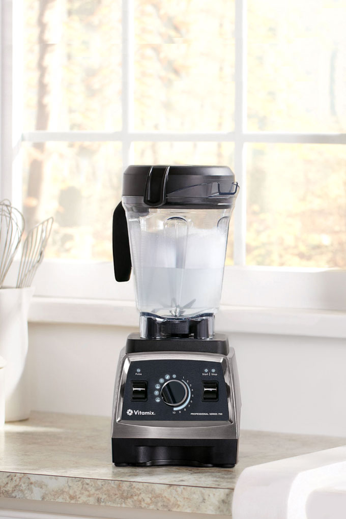 tips for cleaning a Vitamix blender