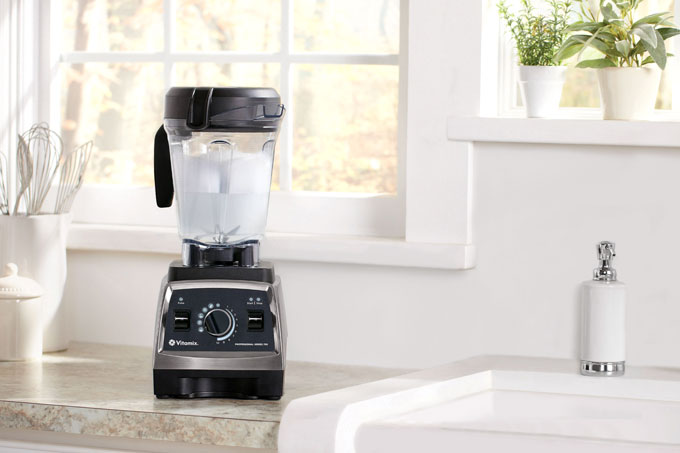 how to clean a Vitamix blender